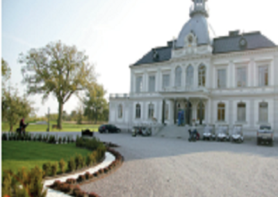 Om- och tillbyggnad, Bro Hof Slott, Upplands-Bro